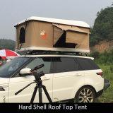 高品質4WDの屋根のテントのキャンプし、走行のための堅いシェル車のトラックの屋根の上のテント
