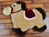 De façon moderne de la forme d'animaux de la peau de mouton Tapis de jeu pour bébé