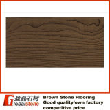 1/ Pisos de piedra de color marrón oscuro