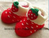 L'immaginazione del cotone della fabbrica dei calzini della Cina ed il bambino animale bello 3D progettano i calzini per il cliente del bambino