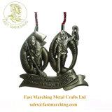 工場価格は中国のコップのトロフィのドラゴンのボートによって浮彫りにされたメダルをカスタマイズした