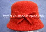 Связанный шлем ведра в шерстях с смычком для шлема сини повелительниц