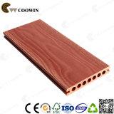le rond de haute résistance des graines 3D en bois troue le Decking creux de composé de WPC
