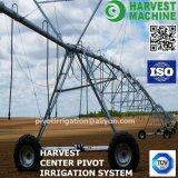 Irrigazione a pioggia del viaggiatore dell'azienda agricola