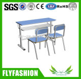 椅子(SF-24D)が付いている特別なデザイン倍の学校の机