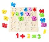Hölzernes erlernenpuzzlespiel des Zahl-Fastfood- Kindes
