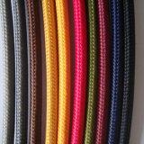 De grijze Textiel Gevlechte Kabel van de Macht