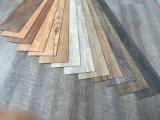 Handelstrockene Rückseite/Kleber der Belüftung-Vinylfußboden-Fliese-/Kurbelgehäuse-Belüftung des bodenbelag-/Kurbelgehäuse-Belüftung unten