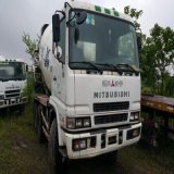 販売のための日本の三菱具体的なミキサーのトラック25トンの300-400HPによって使用されるミキサーのトラック