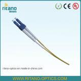 0.9/2.0/3.0mm ST/SC/FC/LC/MTRJ/E2000/UM/SMA/DIN Câble en fibre amorce en fibre optique