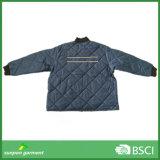 Куртка Quilt зимы проложенная износом для работников