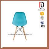 Dsrのプラスチック椅子を食事するEiffelの段階的NeotericレプリカEmes