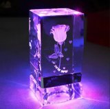 K9 laser di cristallo Rosa di cristallo del cubo 3D con il regalo basso del LED Nizza