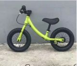 2のための卸し売り子供のバランスのバイクは赤ん坊6歳の耕す