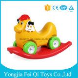 4개의 회전대 바퀴 분리가능한 아기 그네 차를 가진 최신 판매 흔들 목마 차