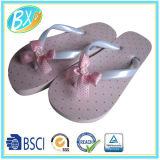 Планки PVC PE Prtint пятна вскользь типа единственные с Flop Flip Bowknot для девушок