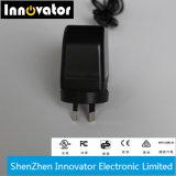La technologie 12V 2A 24W Puissance lumineuse à LED adaptateur avec bouchon, certifié par MRC