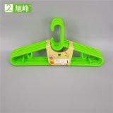 Tamaño grande de plástico de color personalizado el colgador de ropa húmeda