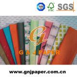 Un beau papier de soie de soie estampé par côté d'images pour l'emballage