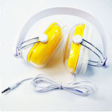 多彩なワイヤーで縛られた折る安いヘッドバンドのヘッドホーン