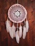 La mano de plumas de ganchillo Dream Catcher Pared Boho Decoración de boda