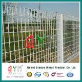 電流を通された機密保護ロール上の庭のBrcの金網の囲うこと