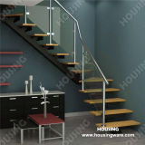 Glass Railing를 가진 현대 Wooden Tread Staircase