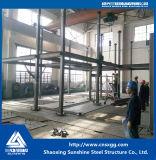 Chalet de la estructura de acero con de dos pisos