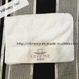 表面クリーニングタオルのための工場価格の刺繍のロゴのMicrofiberのホテルタオル