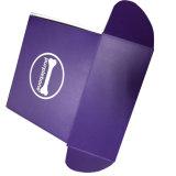 Фиолетового цвета бумаги в салоне картонная коробка
