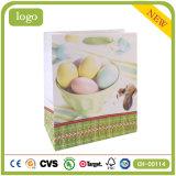 Bolsas de papel revestidas del regalo del arte del día de fiesta del huevo de Pascua