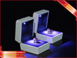 De Dozen van de Gift van de Verpakking van de witte LEIDENE van de Dozen van de Juwelen van de Verf Ring van Juwelen