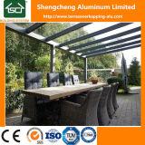 Pérgola de aluminio con diseño popular