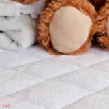 Super saugfähiges haltbares und einfach, wasserdichten gesteppten Krippe-Matratze-Auflage-Deckel zu waschen