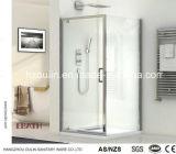 Coin cabine de douche avec porte pivot