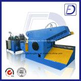 Machine de découpage en métal de bande en caoutchouc