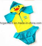 Vestiti del fumetto che modellano il vestito di nuoto, usura di nuoto del bambino