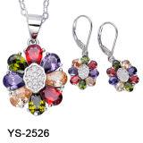 De nieuwe Zilveren die Juwelen van het Ontwerp met Gekleurd CZ worden geplaatst