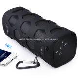 La mini radio di plastica impermeabile dell'altoparlante mette in mostra l'altoparlante di Bluetooth