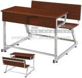Mesa e cadeira de madeira duráveis e confortáveis do dobro do estudante da sala de aula da escola