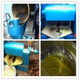 De kleine Automatische Machine van de Pers van de Olie met de Filter van de Olie voor het Maken van Sojaboon, Pinda, de Zaden van de Zonnebloem, Ricinuszaad en de Olie van de Sesam, enz.