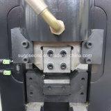 De vlakke die Machine van het Ponsen van de Staaf voor de Hoepels van de Verwerking wordt gebruikt
