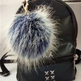 白髪の偽造品の毛皮のアクセサリが付いている新しい来られた毛皮の球