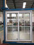 棒が付いている白いカラー倍の緩和されたガラスのアルミニウム引き戸