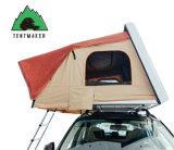 速く開いたキャンプの堅いシェル車の屋根の上の手段のテント