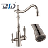 L'eau potable de filtre à eau du robinet 3 voies noir du robinet de cuisine
