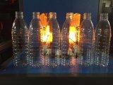 Plástico da garrafa de água do animal de estimação que funde fazendo a máquina