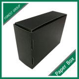 Pleine boîte cadeau noir mat avec feuille d'or
