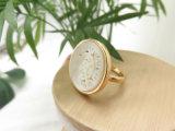 Anillo de oro artificial del shell del mar del grabado para las mujeres