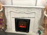 暖炉を切り分ける自然で白い石造り暖炉のマントルピースの環境の彫刻